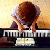 手卷電子琴  88加厚鍵盤專業成人入門初學者軟折疊便攜式電子琴  喵可可