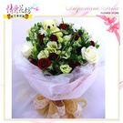 情意花坊網路人氣花店~情人節花束甜蜜貼心的紅白色玫瑰鮮花束特價1200元
