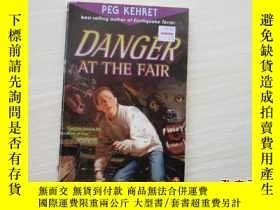 二手書博民逛書店DANGER罕見AT THE FAIR (PEG KEHRET)