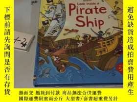 二手書博民逛書店外文原版罕見Look inside a Pirate Ship