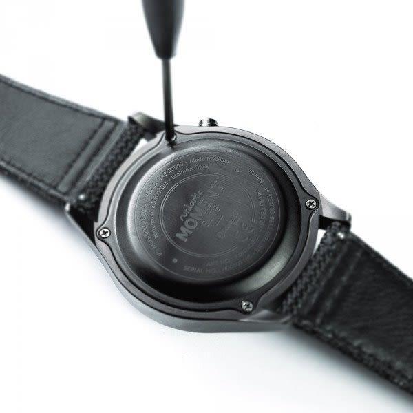 經典數位~Runtastic類軍用錶款外觀設計MOMENT ELITE 智慧手錶 最長6個月待機時間