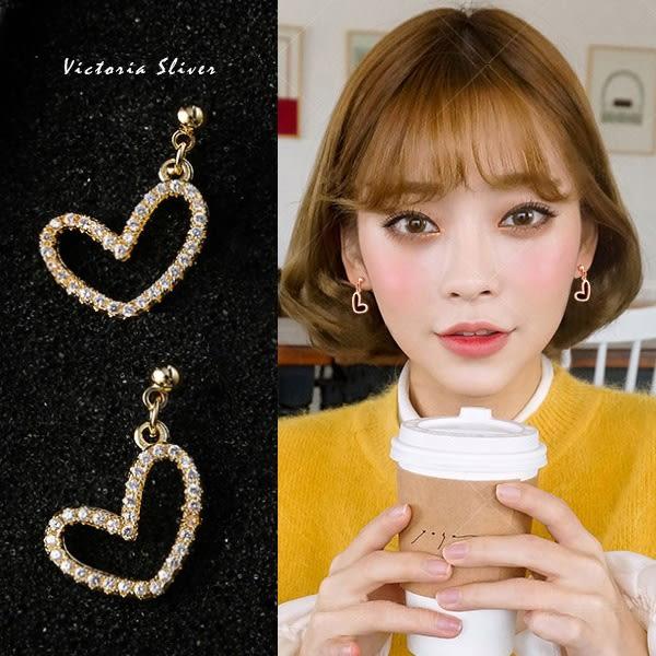 925純銀針  韓國優雅氣質 甜美魅力愛心耳環-維多利亞181101