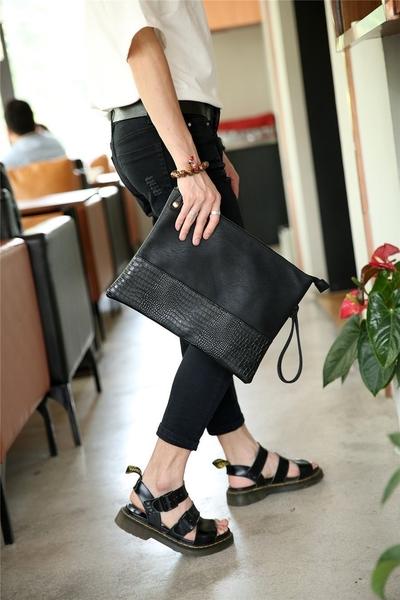 FINDSENSE品牌 韓國 新款  FIN韓國出品 包款鳄紋 男士 手拿包 夜店 手機 商務包 潮流