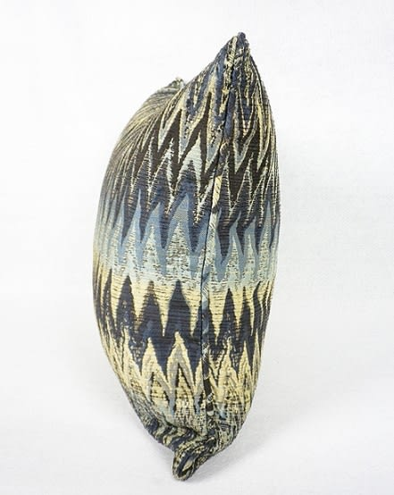 [協貿國際]北歐極簡/樣板房/靠包抱枕/大波紋圖案提花方枕