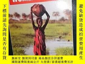 二手書博民逛書店英文原版罕見Human Rights Are Women s R