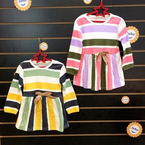☆棒棒糖童裝☆秋冬女童橫條立體蝴蝶結長袖洋裝 5-15 綠;粉