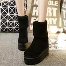 秋冬季絨面鬆糕底高跟毛線筒女靴子百搭內增高坡跟厚底短靴加絨薄