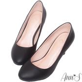 Ann'S質感羊紋金色立體小蝴蝶結低跟圓頭包鞋-黑