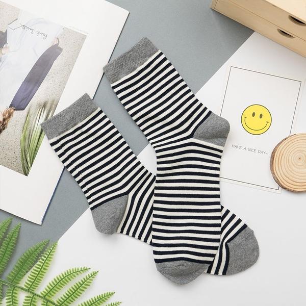 正韓直送 韓國襪子 情侶款細條紋中筒襪(男)【K0704】  百搭基本款 素色長襪 阿華有事嗎
