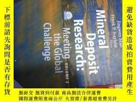 二手書博民逛書店英文原版罕見MIneral deposit research:m