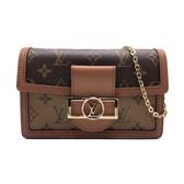 【台中米蘭站】全新品 Louis Vuitton Dauphine 鏈帶斜背/手拿包(M68746-咖)