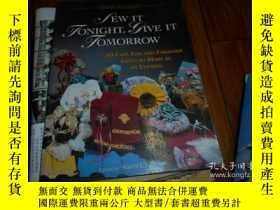 二手書博民逛書店英文原版SEW罕見YONIGHT GIVE IT TOMORRO