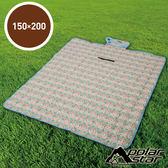 【PolarStar】多功能防潮睡墊/野餐墊『幾何拼布』150X200cm休閒墊.防水PE鋁膜.可機洗 P17709