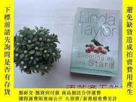 二手書博民逛書店shooting罕見at the starsY10323 lin