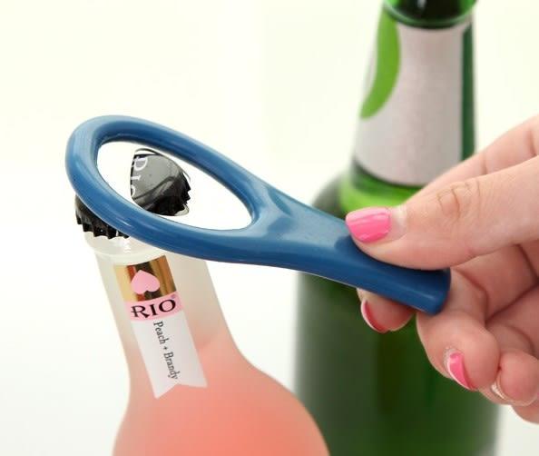 [協貿國際] 簡約實用塑料海馬刀啤酒開酒器開瓶器 (20個價)
