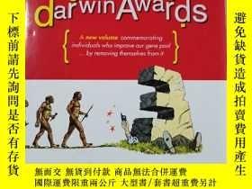 二手書博民逛書店The罕見Darwin Awards : Survival of the Fittest by Wendy Nor