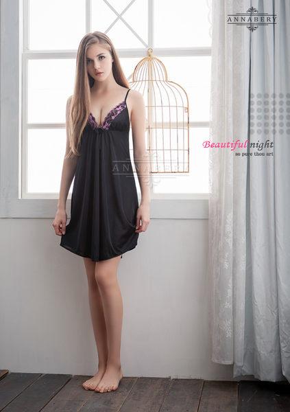 【中大尺碼睡衣】深V黑色柔緞大尺碼性感睡衣 星光密碼B059