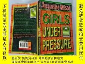 二手書博民逛書店Girls罕見Under Pressure:壓力之下的女孩..Y200392