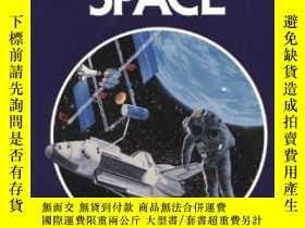 二手書博民逛書店Exploring罕見Space: A Guide To Exploration Of The Universe