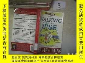 二手書博民逛書店WALKING罕見WITH THE WISE 與智者同行(02)