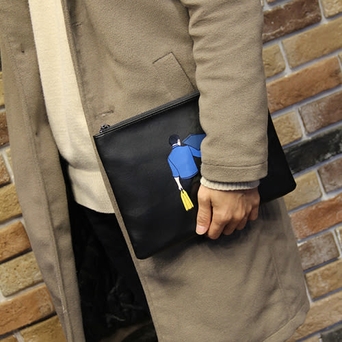 PocoPlus 男士手拿包商務休閒男包手包時尚潮男韓版信封包手抓包印花圖案 B893