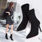 細跟短靴 高跟尖頭中筒靴子細跟高跟鞋絨面黑色彈力靴女新款冬季網紅瘦瘦靴 歐歐