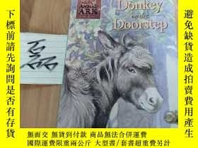 二手書博民逛書店Donkey罕見on the doorstep 英文原版 少兒插繪本Y15335 見圖 見圖