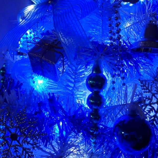台灣製4呎/4尺(120cm)豪華版夢幻白色聖誕樹(銀藍系配件組)+100燈LED燈藍白光1串(附IC控制器)