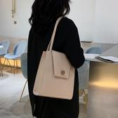 特惠托特包大包女年新款流行洋氣大學生上課斜背包女包大容量側背托特包交換禮物