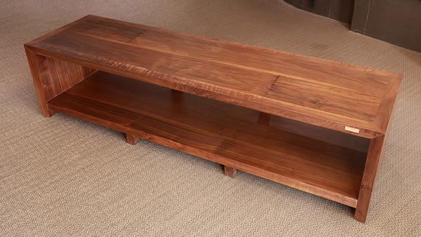 義大利精品 Homely Design 胡桃原木材質,純手工製造 YS-180 雙層音響電視架