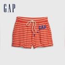 Gap 女裝 Logo清爽條紋休閒短褲 582263-紅色條紋
