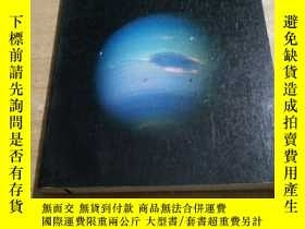 二手書博民逛書店DISCOVERING罕見THE UNIVERSEY188785