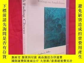二手書博民逛書店Nature s罕見Fading Chorus: Classic And Contemporary Writing