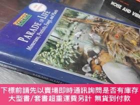 二手書博民逛書店Parade罕見of life :Monerans, Protists, Fungi, and Plants(Ne