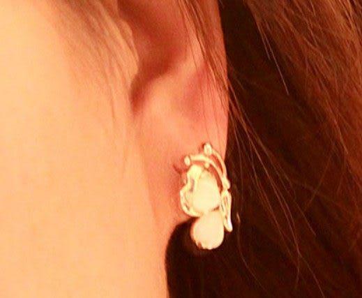 可愛心形貓眼石耳環