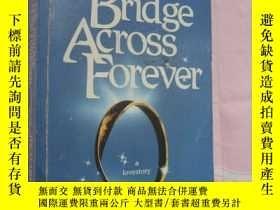 二手書博民逛書店The罕見Bridge Across ForeverY14681