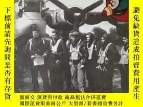 """二手書博民逛書店The罕見44th Bomb Group in World War II: The """"Flying Eight-B"""