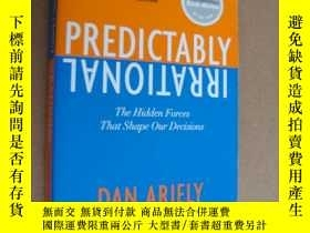 二手書博民逛書店Predictably罕見Irrational:The Hidd