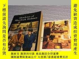 二手書博民逛書店英文原版罕見shadows of Sherlock Holmes