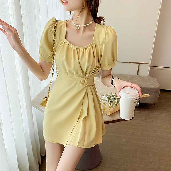 VK旗艦店 韓國風名媛方領收腰綁帶氣質素色短袖洋裝