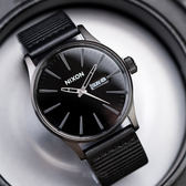 NIXON SENTRY LEATHER 簡約低調皮革腕錶 A105-1147 熱賣中!