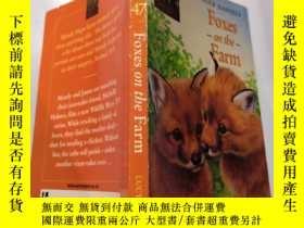 二手書博民逛書店foxes罕見on the farm:農場裏的狐貍Y212829
