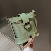 上新小包包女新款潮洋氣百搭水桶包時尚透明錬條側背包斜背包 星河光年
