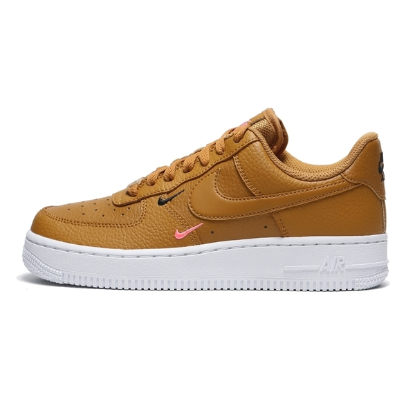 NIKE 休閒鞋 經典款 AF1 LOW MINI SWOOSH 焦糖皮革 黑粉小勾 棕白 女 (布魯克林) CT1989-700