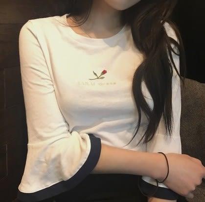EASON SHOP(GU5589)玫瑰花朵英文字母喇叭袖圓領短袖T恤七分袖內搭衫女上衣服白棉T春夏裝韓版寬鬆
