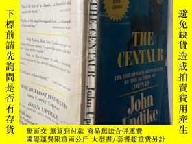 二手書博民逛書店THE罕見CENTAUR (英文原版)Y7353 John Updike FAWCETT PUBLICATIO