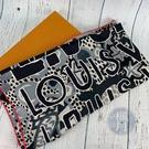 BRAND楓月 LOUIS VUITTON 路易威登 LV M76063 粉邊 印花造型 絲巾 配件 配飾 流行搭配