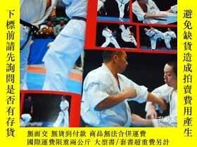 二手書博民逛書店Techniques罕見cutting edge full-contact KARATE book from ja