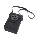 Petite Jolie  經典徽章掀蓋相機包-黑色