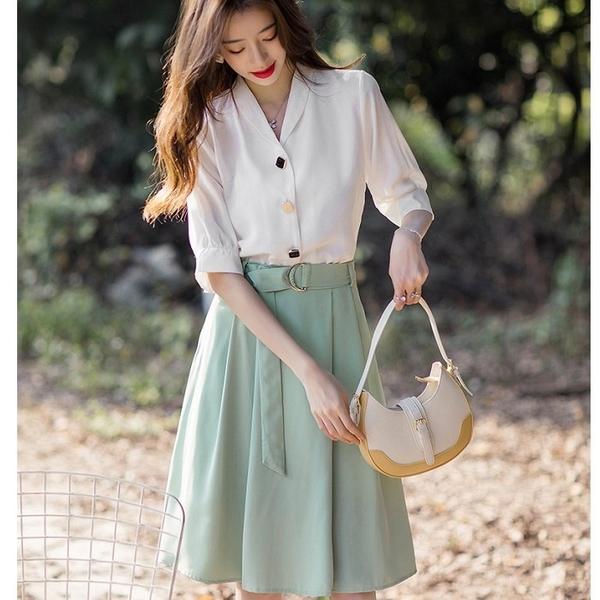 氣質配色兩件套(白五分袖上衣+草綠及膝裙)[99162-QF]美之札